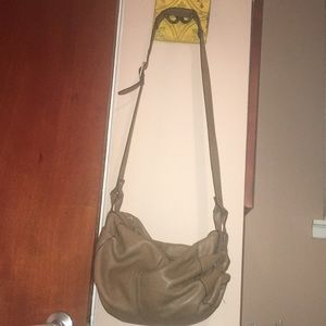 Banana Republic leather purse/U